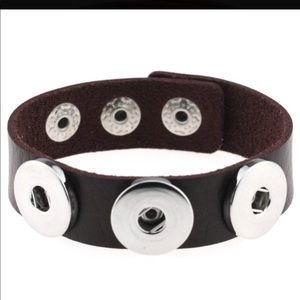 Jewelry - Leather cuff bracelet with toogle clasp
